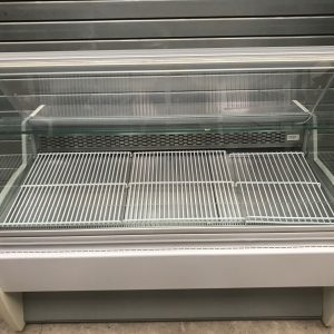 Interlevin Service over and cake display cabinet