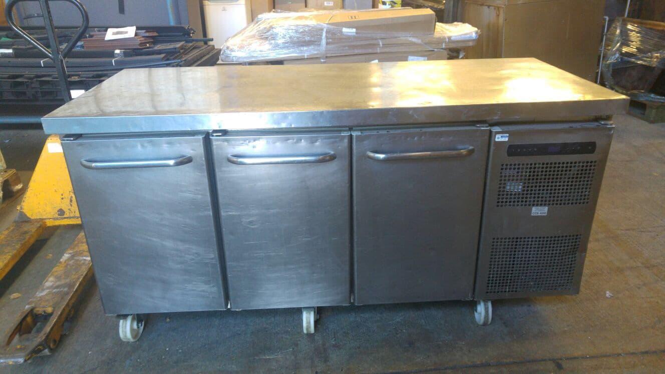 Gram 3 door chiller counter