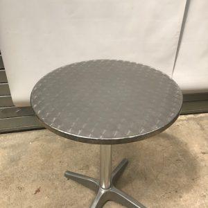 Round aluminium tables