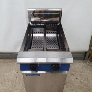 Blue Seal Electric Twin Tank Fryer