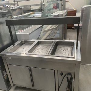 Hot cabinet with three section  bainmarie